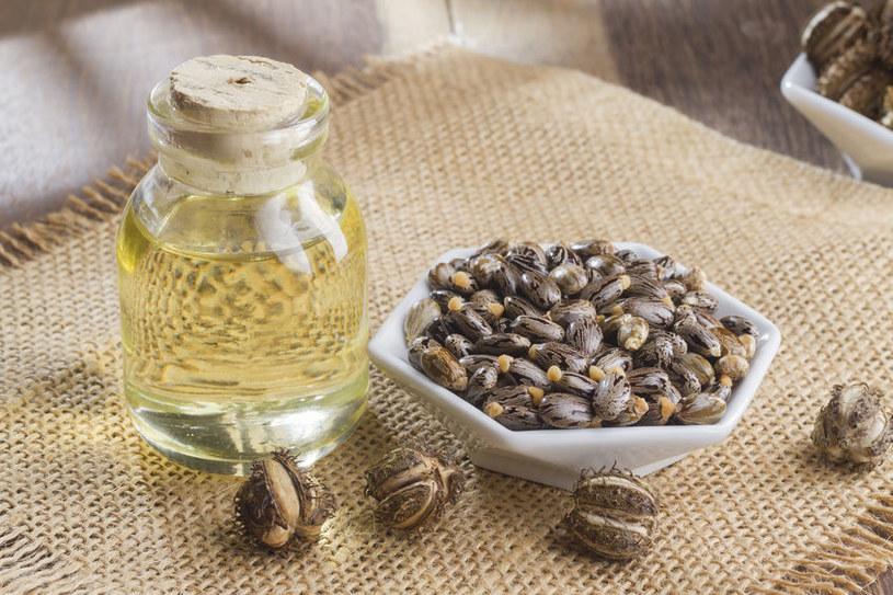 Dlaczego warto mieć w domu olejek rycynowy? /©123RF/PICSEL
