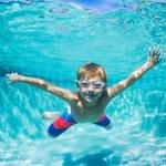 Dlaczego warto nauczyć dziecko pływać