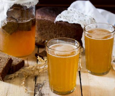 Dlaczego warto pić kwas chlebowy?