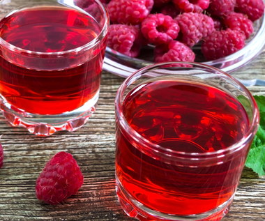 Dlaczego warto pić sok malinowy?
