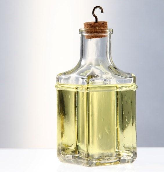 Dlaczego warto stosować olejek abisyński? /©123RF/PICSEL