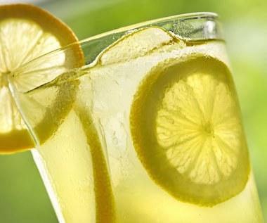 Dlaczego warto zaczynać dzień od wody z cytryną?