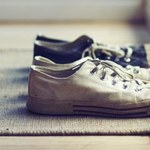 Dlaczego warto zdejmować buty przed wejściem do domu?