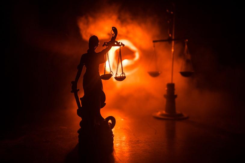 Dlaczego wyroki zapadają bez udziału obywateli? /123RF/PICSEL