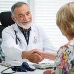 Długa kolejka do lekarza z NFZ? Rząd zapłaci za wizytę u prywatnego specjalisty