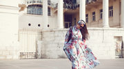 Długa sukienka modna latem