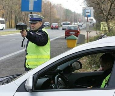Długi czerwcowy weekend. Policja ostrzega kierowców