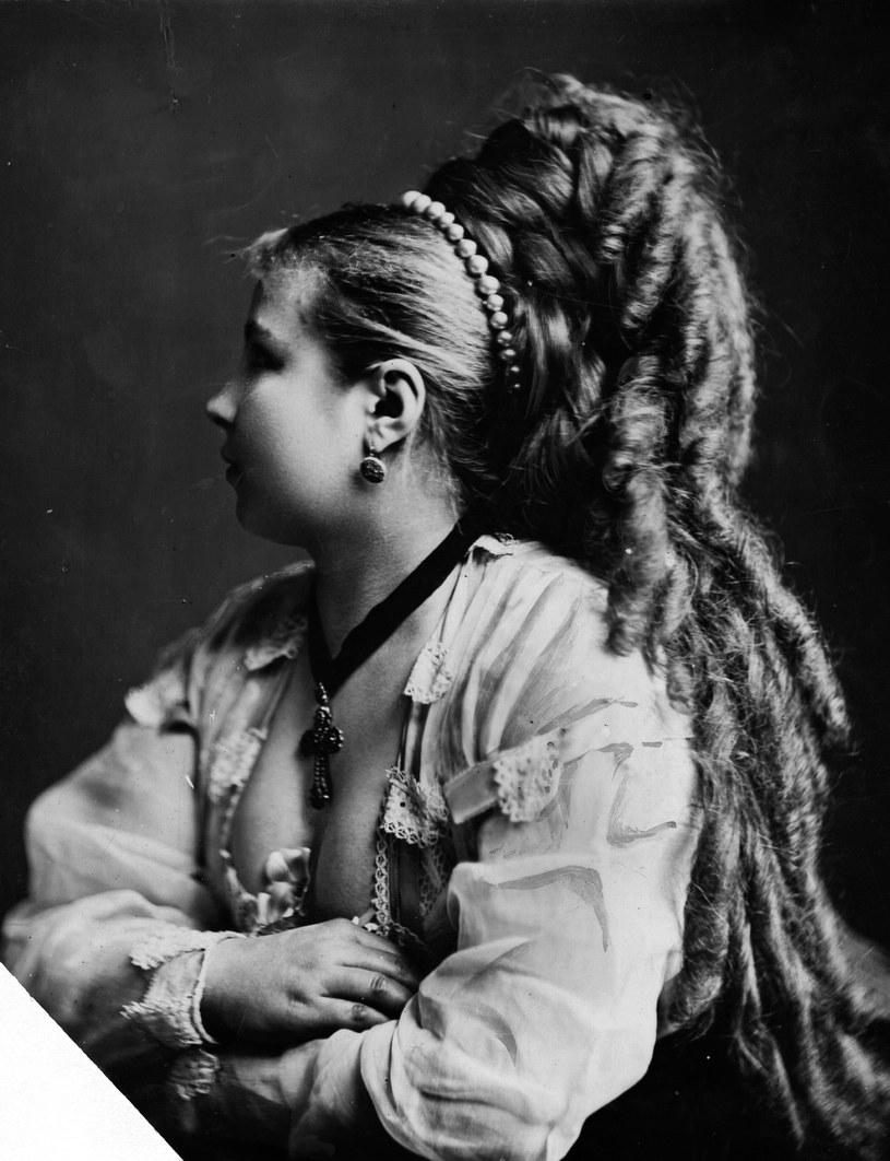 długie włosy /© Photogenica
