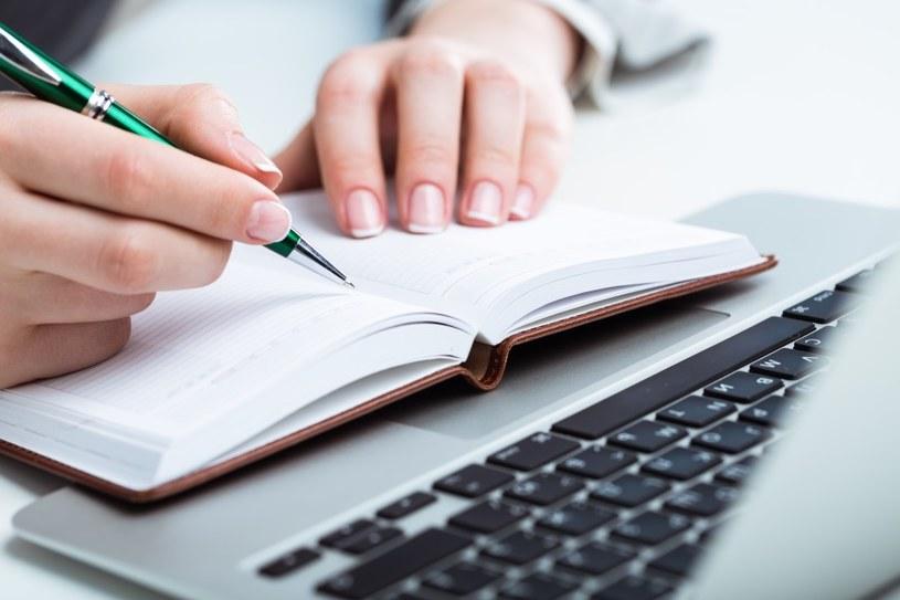 Długopis czy klawiatura? /©123RF/PICSEL