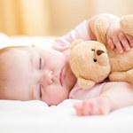 Dłuższy sen niemowlaka