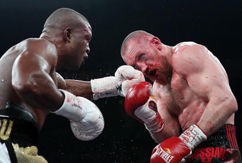 Dmitrij Kudriaszow (z prawej) w walce z Ilungą Makabu /Getty Images