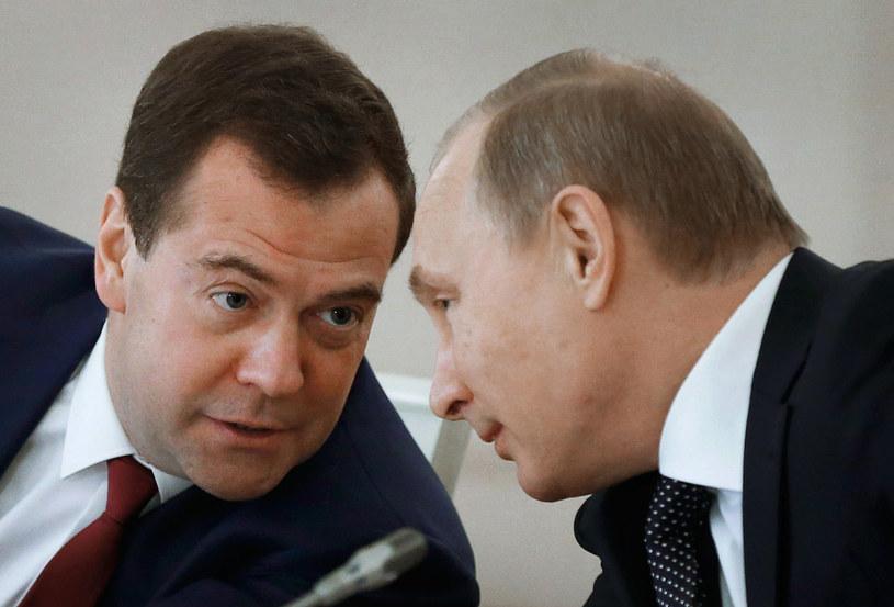 Dmitrij Miedwiediew i Władimir Putin /AFP