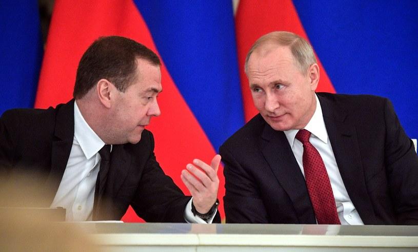 Dmitrij Miedwiediew i Władimir Putin /Alexei Druzhinin/SPUTNIK /AFP