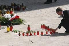 Dmitrij Miedwiediew podczas uroczystości żałobnych w Krakowie