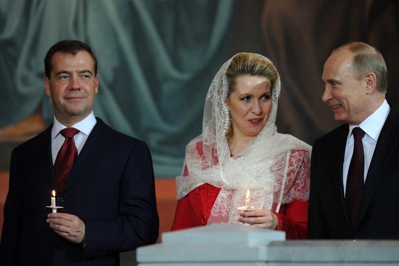 Dmitrij Miedwiediew, Swietłana Miedwiediewa i Władimir Putin /Kirill Kudryavtsev /AFP