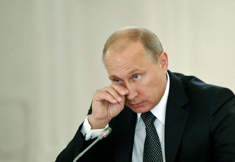 Dmitrij Pieskow zwołał konferencję prasową, na której ostrzegł, że przygotowywany jest atak medialny na Władimira Putina /AFP