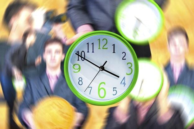 Dni wolne a czas pracy /123RF/PICSEL