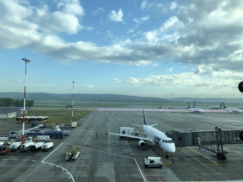 Do 11 sierpnia nowy zakaz w międzynarodowym ruchu lotniczym /Informacja prasowa