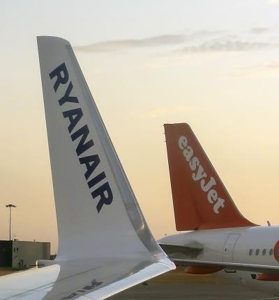 Do aliansu A4E wstąpiły tanie linie Ryanair i easyJet /AFP