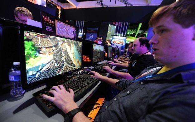 Do czego jeszcze może posunąć się rząd, aby utrudnić  graczom dostęp do ich hobby? /AFP