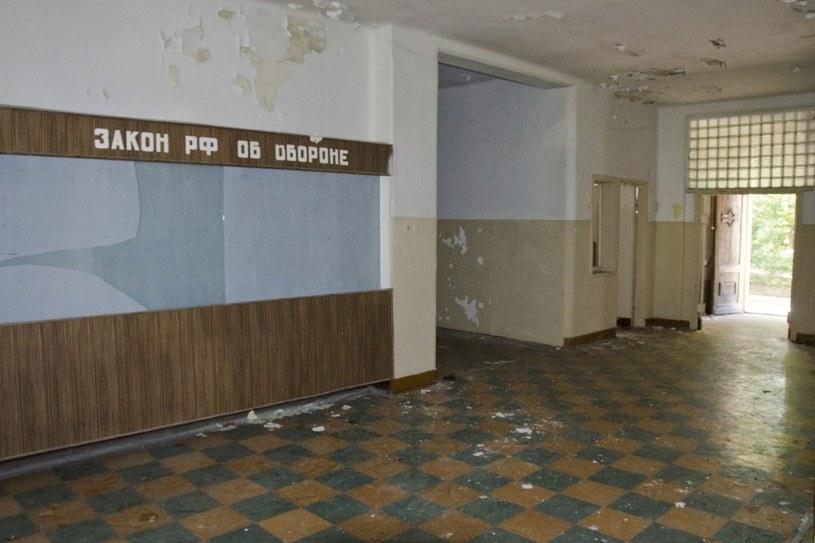 Do dziś budynki stoją puste /LUKASZ GRUDNIEWSKI / EAST NEWS  /East News