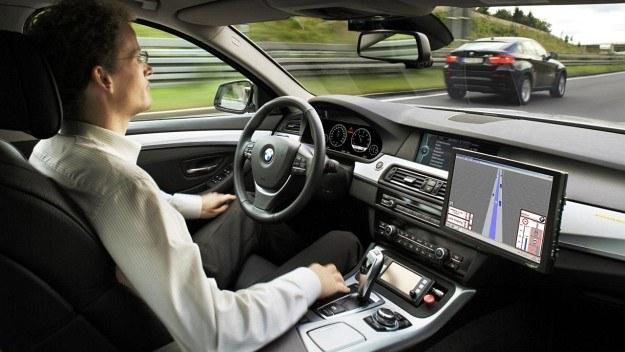 Do firm, które prowadzą badania nad samochodami autonomicznymi, należy również BMW. /BMW