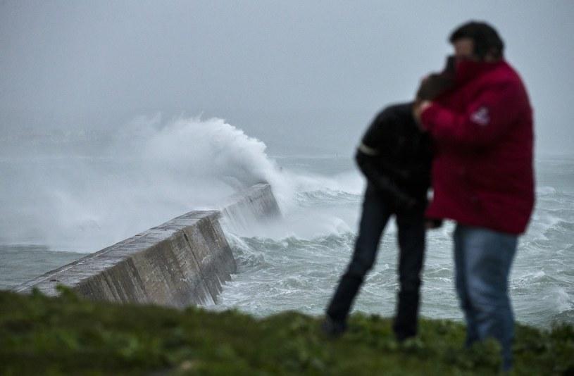 Do Francji zbliża się kolejna wichura /PAP/EPA