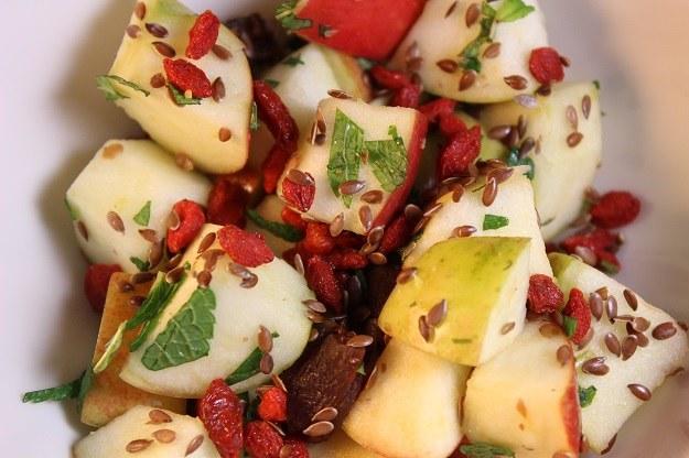 Do grupy super pokarmów zaliczamy także dobrze znane nam z codziennej kuchni warzywa /materiały promocyjne
