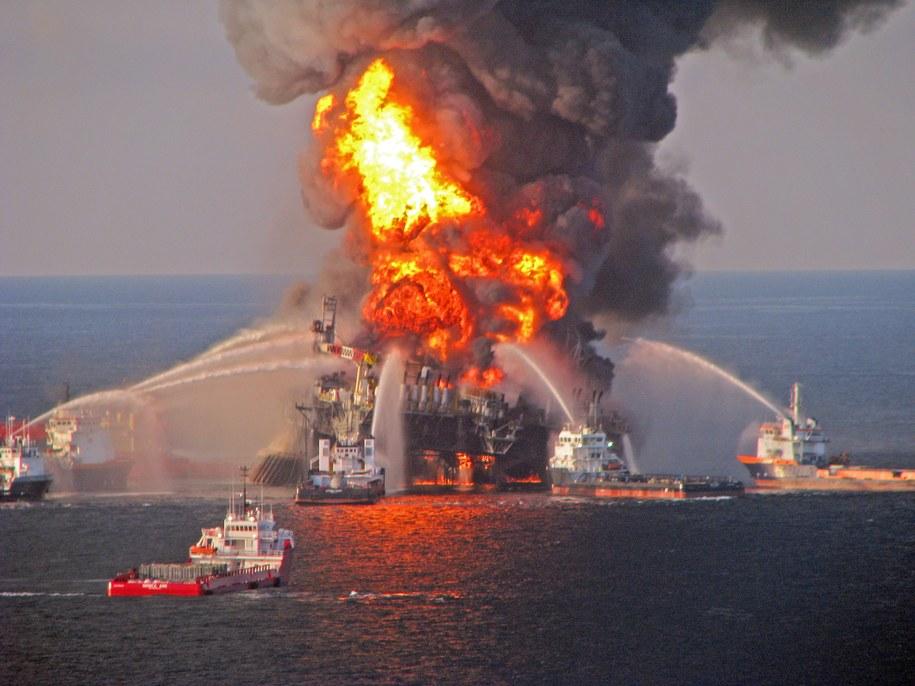 Do katastrofy doszło w 2010 roku /US Coast Guard  /PAP/EPA