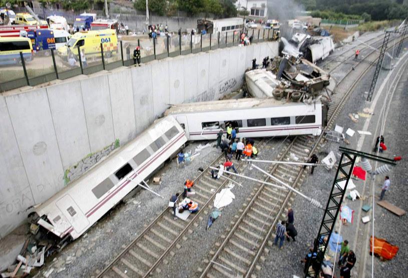 Do katastrofy kolejowej doszło w okolicach miasta Santiago de Compostela w Hiszpanii. /OSCAR CORRAL /PAP/EPA