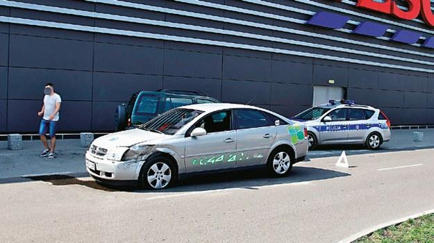 Do kolizji na drogach wewnętrznych policja przyjeżdża niechętnie. /Motor
