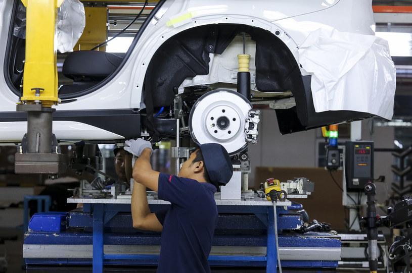 Do końca 2022 r. w sektorze elektromobilności może powstać 10 tys. nowych miejsc pracy /123RF/PICSEL