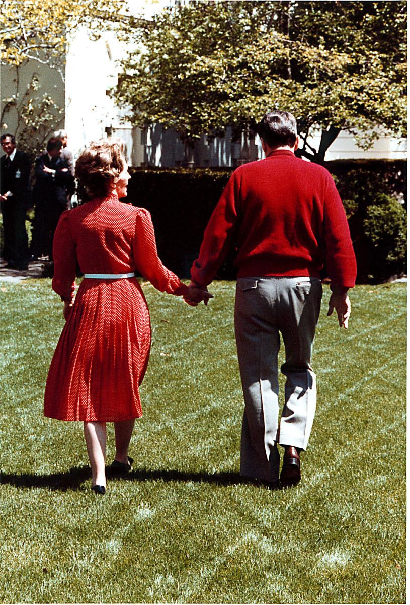 Do końca życia chodzili trzymając się za ręce jak para nastolatków /Getty Images