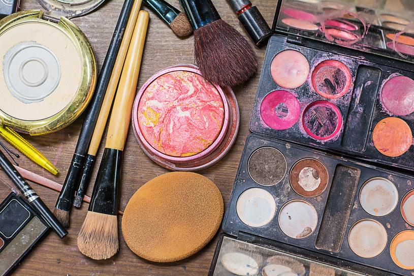 Do kosmetycznego second-handu trafiają także kosmetyki używane /123RF/PICSEL