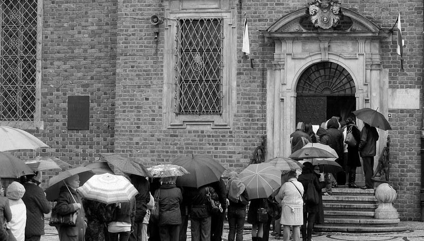 Do księgi kondolencyjnej we Wrocławiu ustawiła się kolejka