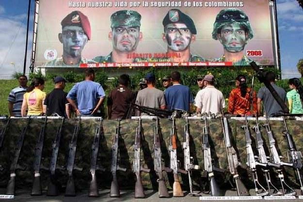 Do Narodowych Sił Rezerwowych powinno trafić do 10 tys. osób /AFP