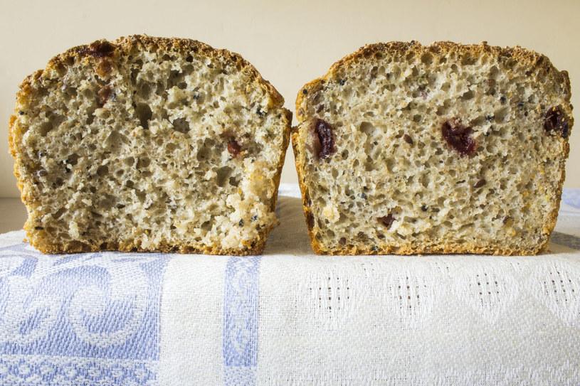 Do pieczenia domowego chleba możesz używać wody po gotowanym ryżu /123RF/PICSEL