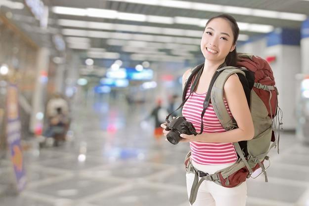 Do Polski przyjeżdża coraz więcej turystów z Azji /©123RF/PICSEL
