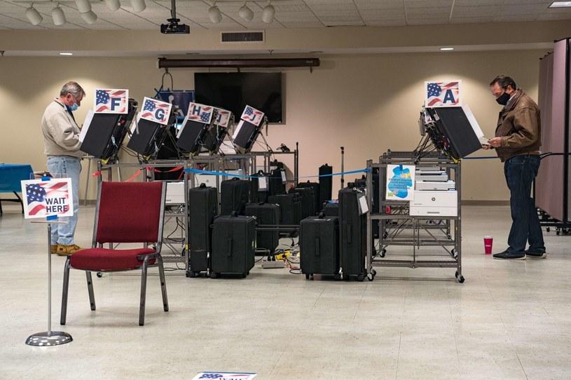 Do przeliczenia zostały przeważnie karty wyborcze z aglomeracji Atlanty, bastionu Partii Demokratycznej /AFP