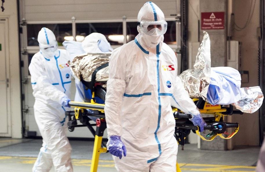 Do Rzymu przyleciał z Sierra Leone pierwszy Włoch zarażony wirusem ebola (zdj. ilustracyjne) / GENEVA UNIVERSITY HOSP./KEYSTONE    /PAP/EPA