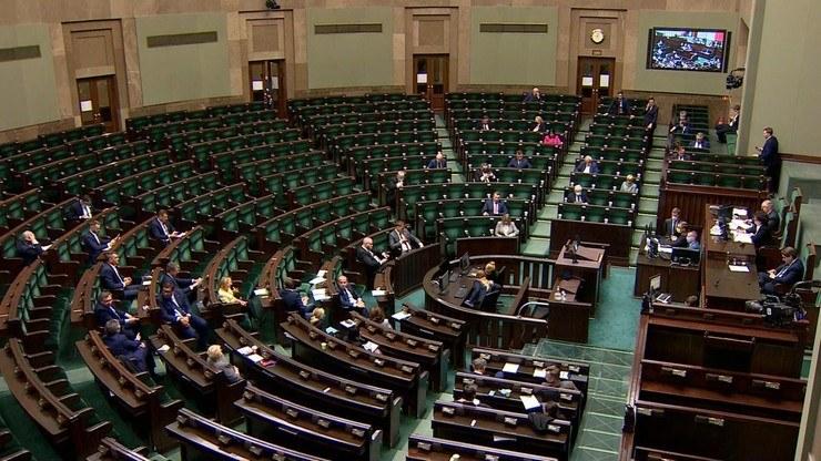Do Sejmu weszłoby pięć ugrupowań /Polsat News