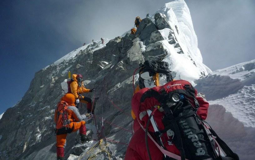 Do soboty nikt nie zdobył K2 zimą. Aż zrobiło to dziesięciu Nepalczyków /AFP