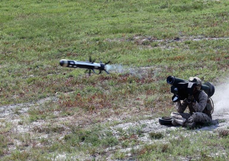 Do środków precyzyjnego rażenia zaliczają się np. systemy przeciwpancerne, jak Javelin. Fot. U.S. Marine Corps/Lance Cpl. Ryan Young /Defence24