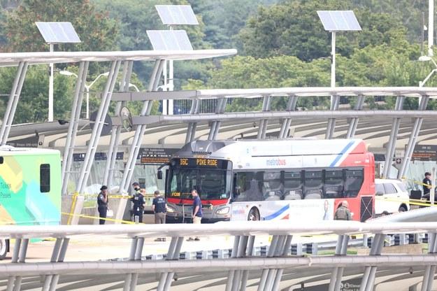 Do strzelaniny doszło na przystanku autobusowym /JIM LO SCALZO /PAP/EPA