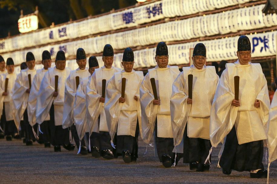 Do świątyń Japończycy tłumnie powrócą w najbliższych dniach /KIMIMASA MAYAMA /PAP/EPA