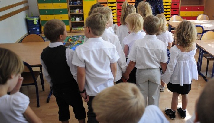 Do szkoły pójdzie w tym roku ok. 15 proc. 6-latków /Donat Brykczyński /Reporter