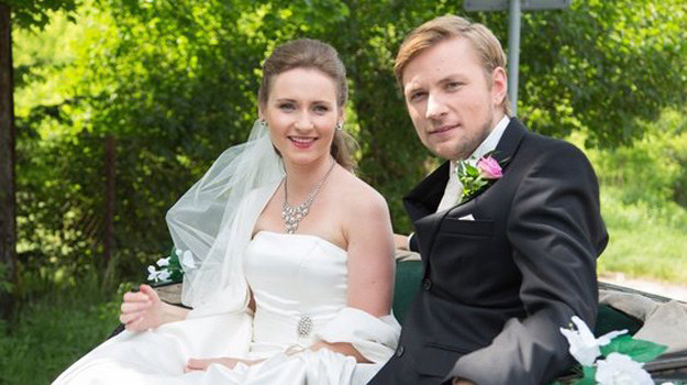 Do szpitala trafia panna młoda - Anna - która miała wraz z ukochanym wypadek podczas jazdy dorożką. /www.nadobre.tvp.pl/
