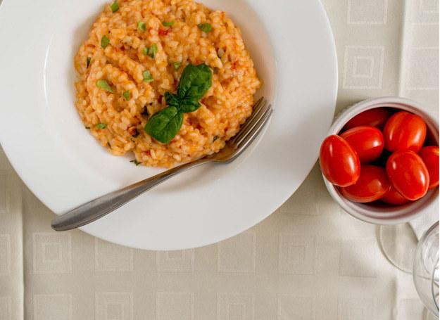 Do tego dania możesz wybrać warzywa według własnego pomysłu /123RF/PICSEL