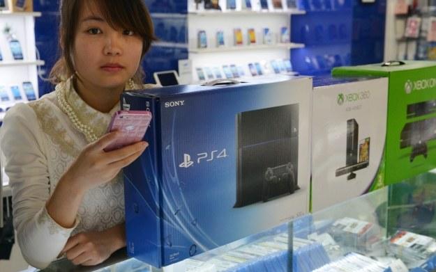 Do tej pory Chińczycy mogli nabyć konsole do gier, korzystając wyłącznie z nieoficjalnych źródeł /AFP