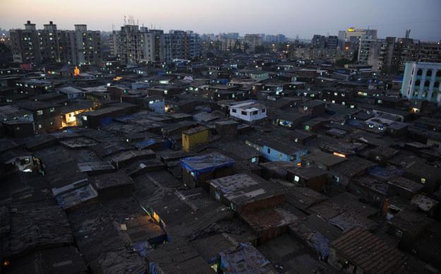 Do tragedii doszło w jednym ze slumsów w Bombaju /AFP